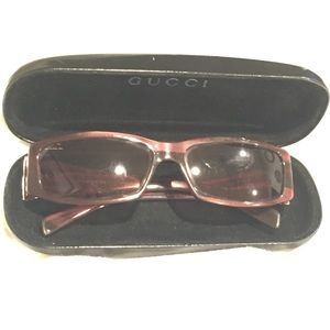 Gucci Sunglasses with hard case made in Italy